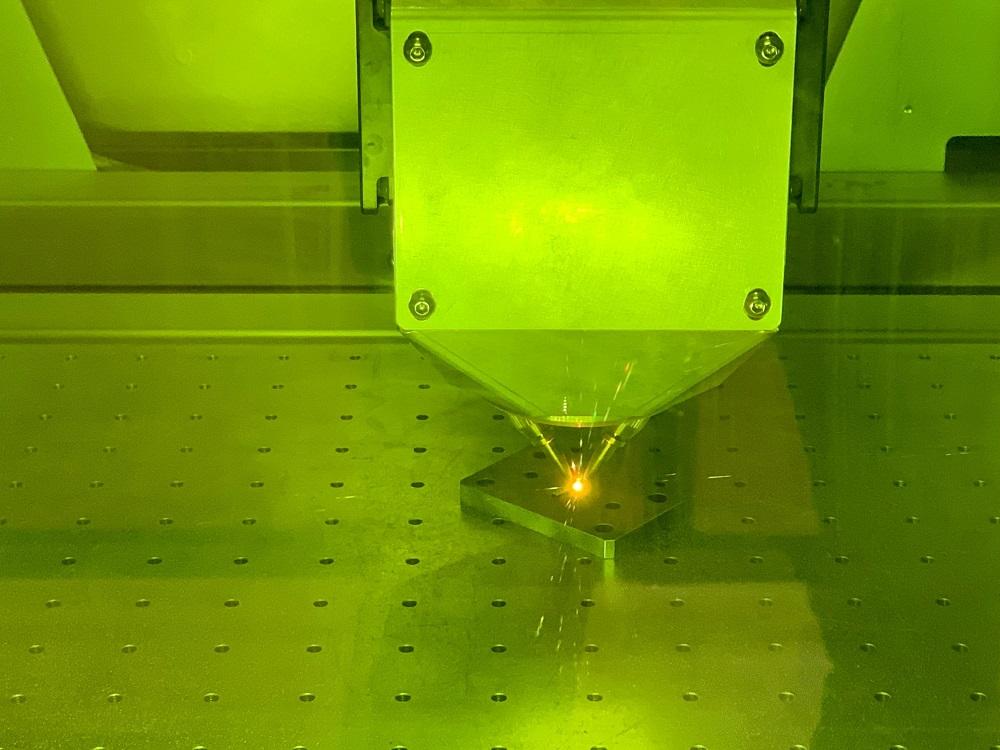ニコン 金属3DプリンターLasermeister 100A